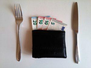 Finanças e alimentação têm tudo a ver! 5 Dicas para economizar com a alimentação