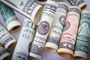 Qual é a hora certa para comprar dólar?