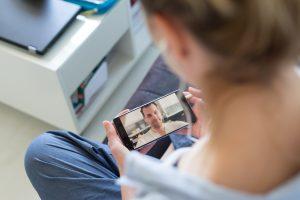 COVID-19: pesquisa aponta os hábitos de consumo previstos para o dia dos namorados