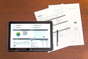 Como gerenciar as finanças de seu negócio usando um CRM online