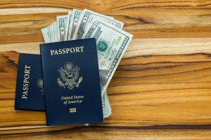 O que devemos saber ao comprar dólar turismo?