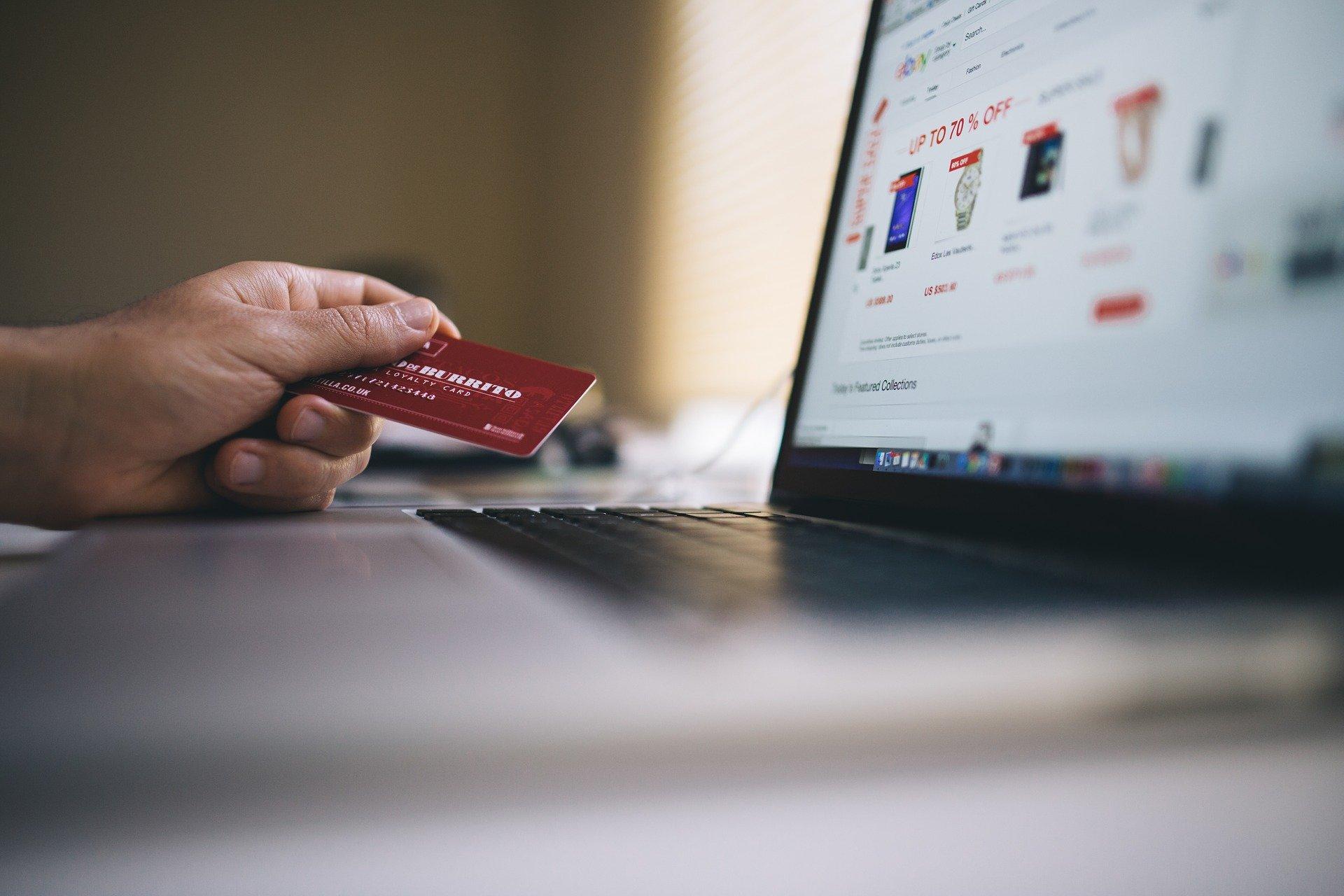 Cuidado! As fraudes com cartões de crédito aumentaram durante a pandemia!