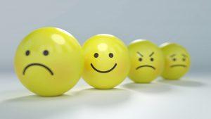 Setembro Amarelo: a relação da saúde mental com a saúde financeira