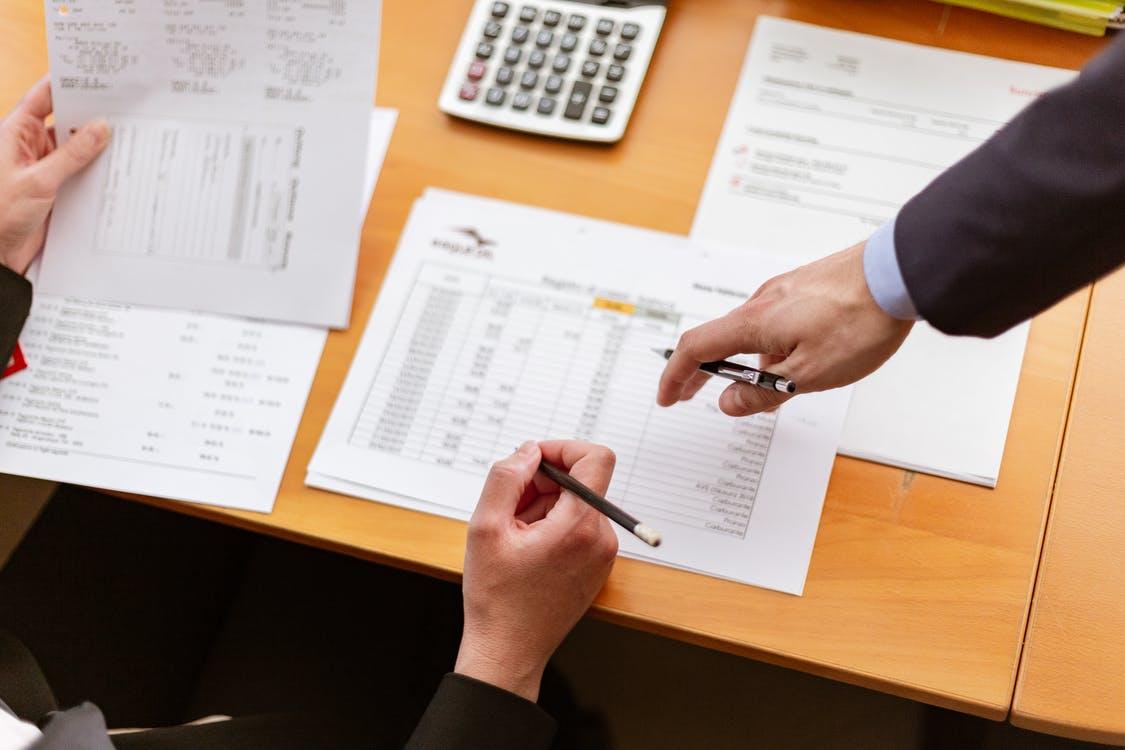 Como um profissional pode fazer um controle financeiro?
