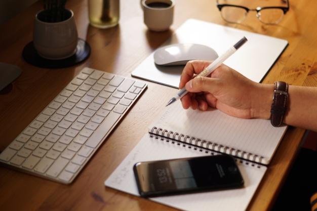 Qual a importância e o impacto de um bom planejamento financeiro para a vida pessoal?