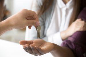 Vale a pena mesmo investir em imóveis em 2021?